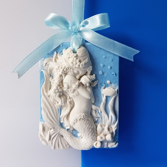 Baby Mermaid Deema, Aroma Stone