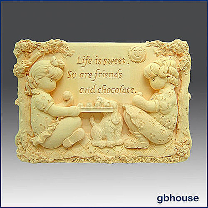 Sweet Friends - Detail of high relief sculpture