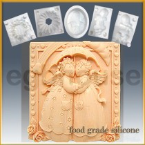 Angelic Friends - Detail of high relief sculpture - Food grade